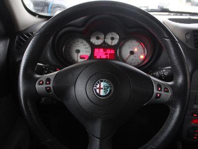 Alfa Romeo 147 1.9 JTD150 MULTIJET DISTINCTIVE 3P - <small></small> 4.990 € <small>TTC</small>