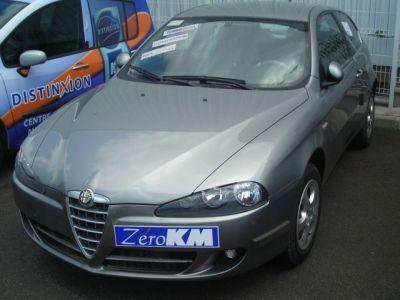 Alfa Romeo 147 PROGRESSION JTD 120 3 P - <small></small> 14.980 € <small>TTC</small>
