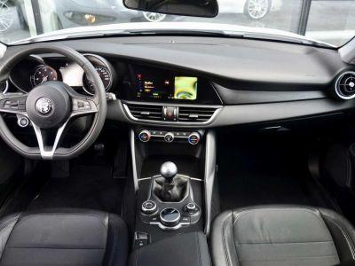 Alfa Romeo Giulia 2.2 JTDm Super 1st Hand 18'Alu privacy - <small></small> 17.900 € <small>TTC</small> - #11