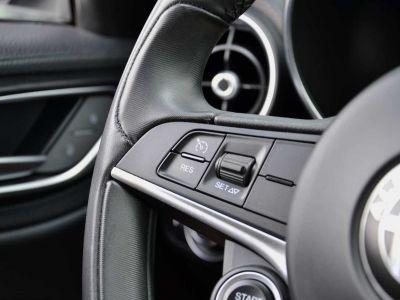 Alfa Romeo Giulia 2.2 JTDm Super 1st Hand 18'Alu privacy - <small></small> 17.900 € <small>TTC</small> - #14