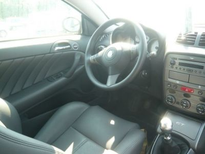 Alfa Romeo GT DISTINCTIVE JTD 150 - <small></small> 18.980 € <small>TTC</small>