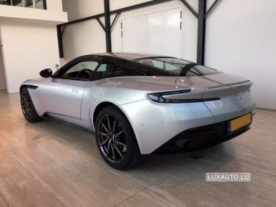 Aston Martin DB11 4.0 V8 Sportshift - <small></small> 169.900 € <small>TTC</small>