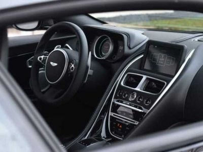 Aston Martin DB11 V12 AMR 639 CV - <small></small> 176.900 € <small>TTC</small>