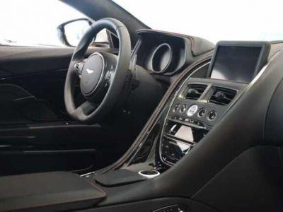 Aston Martin DB11 V8 # PACK EXTERIEUR GLOSS BLACK#Cuir Black/red - <small></small> 145.000 € <small>TTC</small>