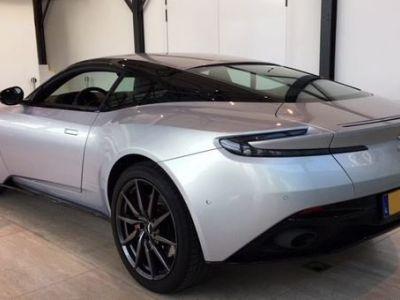 Aston Martin DB11 V8 - <small></small> 186.000 € <small>TTC</small>