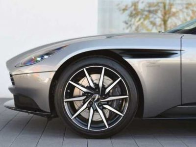 Aston Martin DB11 V8 #PACK BLACK PLUS#PACK TECHNOLOGY# - <small></small> 150.000 € <small>TTC</small>