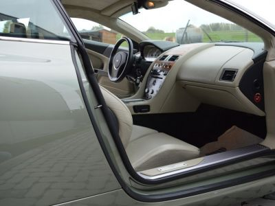 Aston Martin DB9 5.9i V12 Touchtronic 450 ch Superbe état !! - <small></small> 43.900 € <small>TTC</small>