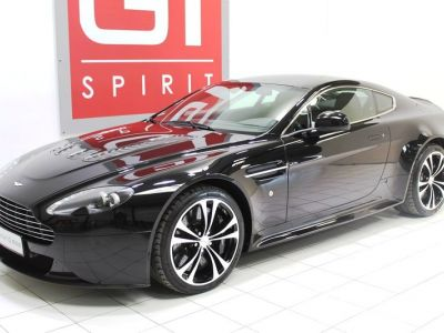 Aston Martin V12 Vantage Black Edition