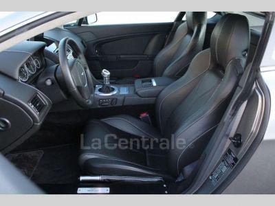 Aston Martin V12 Vantage COUPE 6.0 517 - <small>A partir de </small>790 EUR <small>/ mois</small>