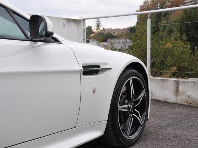 Aston Martin V8 Vantage 4.7 V8 N430 SPORTSHIFT II - <small>A partir de </small>1.190 EUR <small>/ mois</small> - #18