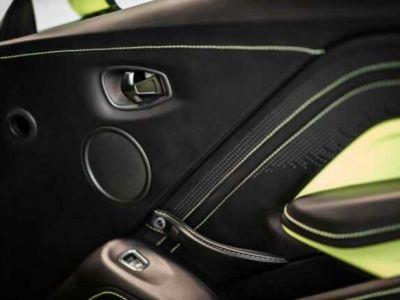 Aston Martin V8 Vantage NEW Vantage # Lime Essence  - <small></small> 124.800 € <small>TTC</small>