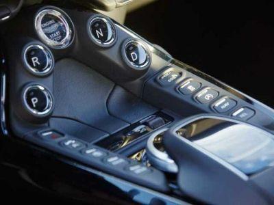 Aston Martin V8 Vantage New Vantage # Pack Black extérieur - <small></small> 139.900 € <small>TTC</small>