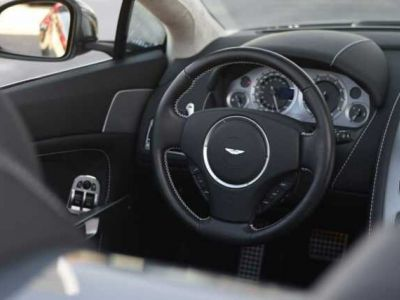 Aston Martin V8 Vantage S ROADSTER SPORTSHIFT - <small></small> 79.000 € <small>TTC</small>