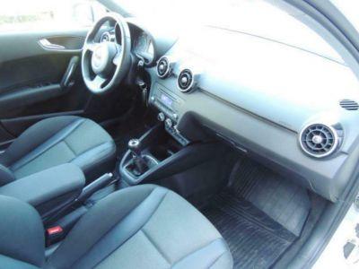 Audi A1 Sportback 1.6 TDI 105 Ambition (05/2013) - <small></small> 11.990 € <small>TTC</small>