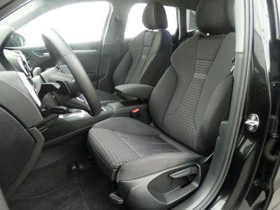 Audi A3 Sportback 35 TFSI 150ch CoD Midnight Series S tronic 7 - <small></small> 28.590 € <small>TTC</small>