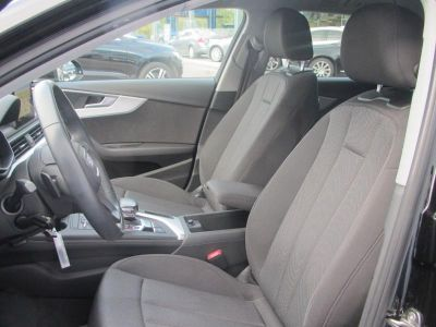 Audi A4 Avant 2.0 TDI 150ch Business line S tronic 7 - <small></small> 25.500 € <small>TTC</small>