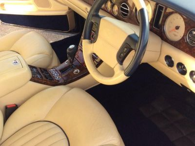 Bentley Arnage Red Label - <small></small> 24.900 € <small>TTC</small>