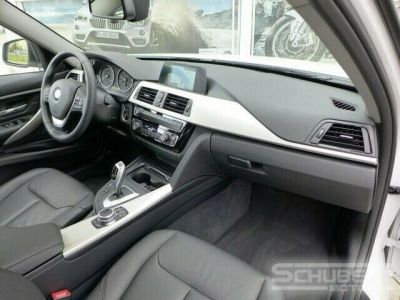 BMW Série 3 318 d Touring - <small></small> 29.590 € <small>TTC</small> - #4