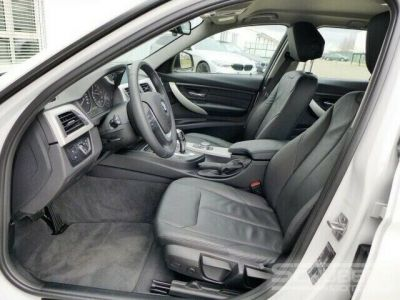 BMW Série 3 318 d Touring - <small></small> 29.590 € <small>TTC</small> - #5