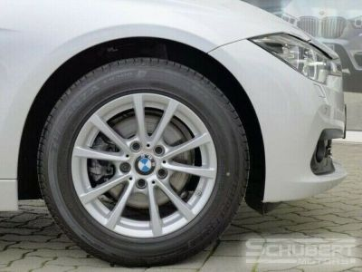 BMW Série 3 318 d Touring - <small></small> 29.590 € <small>TTC</small> - #8