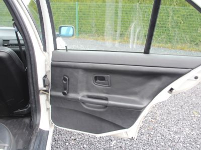 BMW Série 3 E36 318 is - <small></small> 6.200 € <small>TTC</small> - #42
