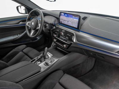 BMW Série 5 530 Touring e Touring M Sport xDrive Trekhaak Shadow Keyless - <small></small> 65.900 € <small>TTC</small> - #14