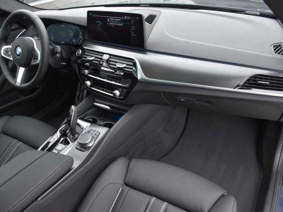 BMW Série 5 530 Touring Xdrive Hybride M Sport Pano Harman Kardon - <small></small> 75.900 € <small>TTC</small> - #17