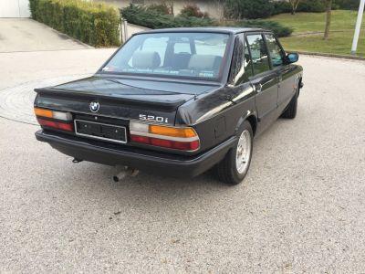 BMW Série 5 Modèle E28 - 1ere main - <small></small> 11.900 € <small>TTC</small>