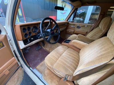 Chevrolet Suburban SILVERADO V8 5,7L - <small></small> 23.000 € <small>TTC</small>