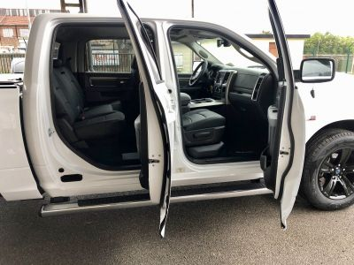 Dodge Ram CLASSIC PACK SLT PLUS CREW CAB - <small></small> 43.900 € <small>HT</small>