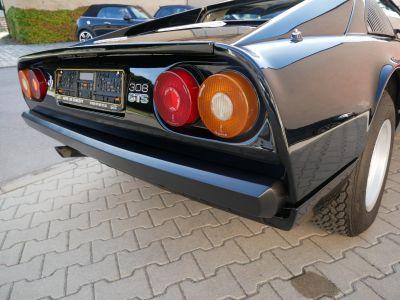 Ferrari 308 GTS, 4 Carburateurs, Climatisation, Spoiler et capot Millechiodi - <small></small> 89.900 € <small>TTC</small>