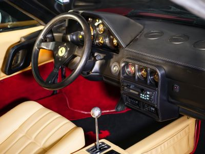Ferrari 328 GTS 3200 cm3 - <small></small> 92.000 € <small>TTC</small>