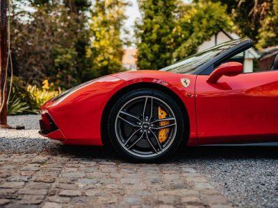 Ferrari 488 Spider 3.9 V8 670 ch premiere main Malus payé - <small></small> 279.990 € <small>TTC</small> - #23