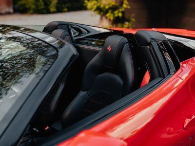 Ferrari 488 Spider 3.9 V8 670 ch premiere main Malus payé - <small></small> 279.990 € <small>TTC</small> - #26