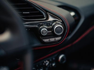 Ferrari 488 Spider 3.9 V8 670 ch premiere main Malus payé - <small></small> 279.990 € <small>TTC</small> - #29