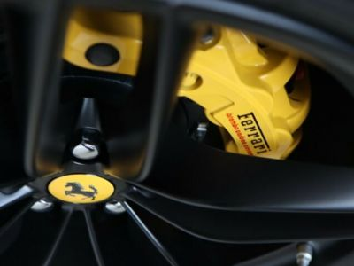 Ferrari 488 Spider V8 3.9 bi-turbo#Pack carbone - <small></small> 219.800 € <small>TTC</small> - #14
