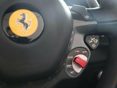 Ferrari 488 Spider V8 3.9 bi-turbo#Pack carbone - <small></small> 219.800 € <small>TTC</small> - #21