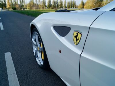 Ferrari FF Ferrari FF V12 6.3 660ch GPS/ 4X4 / Garantie 12 MOIS Livré TTC - <small></small> 99.999 € <small>TTC</small> - #8