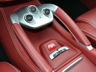 Ferrari FF V12 6.3 660ch - <small></small> 152.000 € <small>TTC</small>