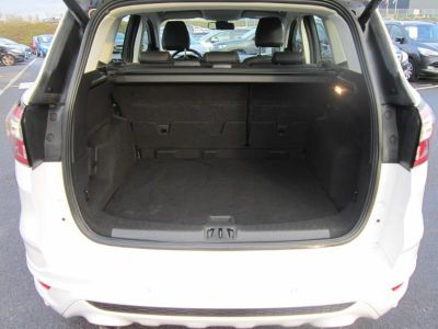Ford Kuga 2.0 TDCi 150ch Stop&Start Vignale 4x2 - <small></small> 23.900 € <small>TTC</small>