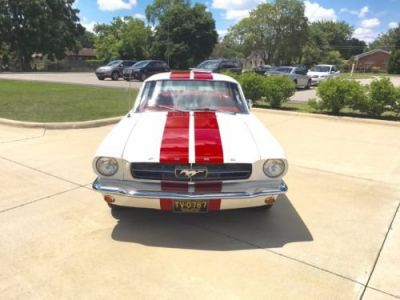 Ford Mustang 1965 - <small></small> 46.900 € <small>TTC</small>