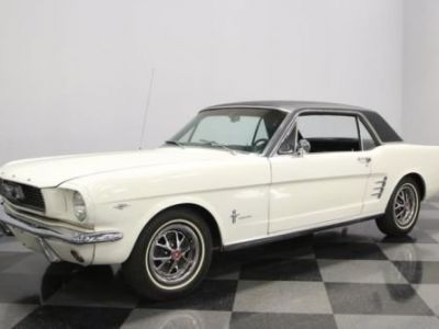 Ford Mustang 1966 - <small></small> 32.700 € <small>TTC</small>