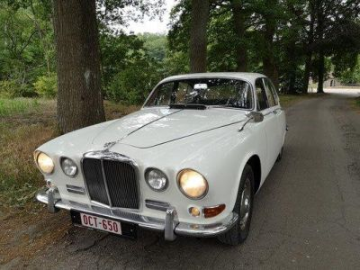 Jaguar 420 4.2L 6 Cylindres Manuelle (overdrive) - <small></small> 24.950 € <small>TTC</small>