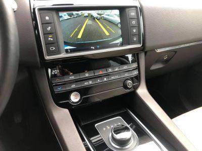 Jaguar F-Pace 2.0D 180ch Prestige 4x4 - <small></small> 37.990 € <small>TTC</small>