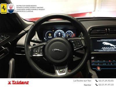Jaguar F-Pace 2.0D 180ch R-Sport 4x4 BVA8 - <small></small> 34.900 € <small>TTC</small>