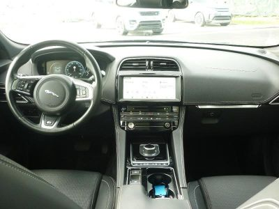 Jaguar F-Pace 2.0D 240ch Black Limited R-Sport AWD BVA8 - <small></small> 48.900 € <small>TTC</small> - #4