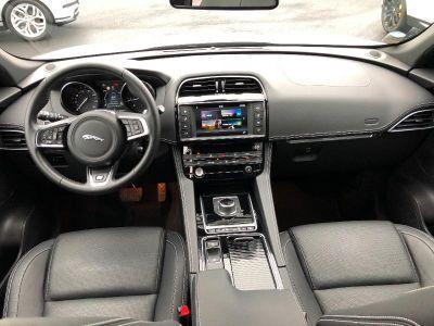 Jaguar F-Pace 2.0D 240ch R-Sport 4x4 BVA8 - <small></small> 49.900 € <small>TTC</small>