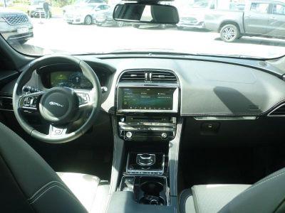 Jaguar F-Pace 2.0D 240ch R-Sport 4x4 BVA8 - <small></small> 59.900 € <small>TTC</small>