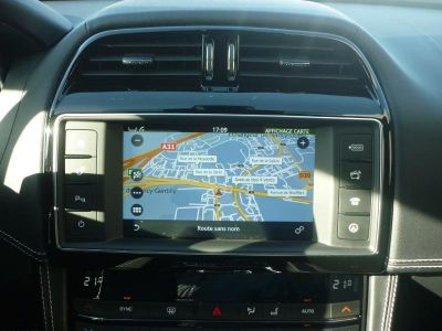 Jaguar F-Pace V6 3.0D 300ch R-Sport 4x4 BVA8 - <small></small> 53.900 € <small>TTC</small>