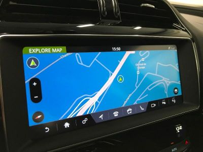Jaguar XE 2.0T 200ch R-Sport BVA8 - <small></small> 34.900 € <small>TTC</small>